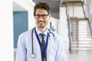 urologista especializado em cálculo renal